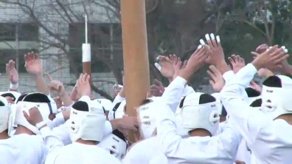 学生生活で最も命を懸ける120秒――防衛大学校「開校記念祭」の棒倒しが熱すぎる!