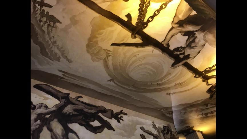 ロックフェラー・センター正面玄関の壁画の天井部分
