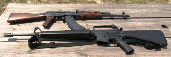戦争の歴史が凝縮された銃「AK47 & M16」――その発明者が送った数奇なる人生とは
