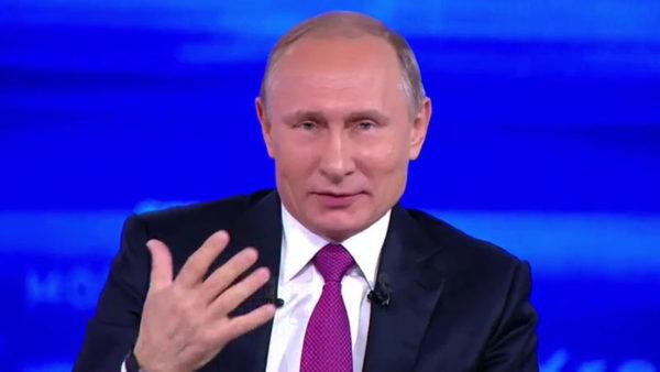 プーチン大統領がロシア国民の質問に回答。「タイムマシンがあったらどこに行きたいですか?」答えがプーチンらしいと話題に