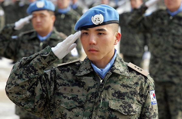 韓国人「9条改正で日本も徴兵制になったら、みんな兵役に行く?」に対して、「無理」「肉壁になるだけ」と男性ネットユーザー等が猛反論