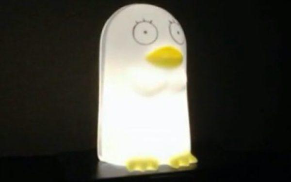 中のおっさんが光る? 『銀魂』エリザベスを1/fゆらぎで揺れて光るLEDライトにしてみた。