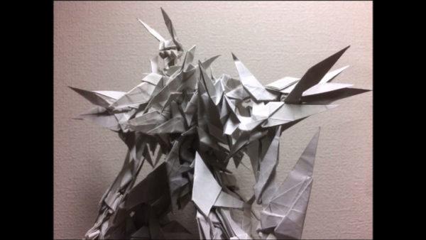 折り鶴100体を合体させてロボットを作ってみた! ペーパーロボット大戦だ