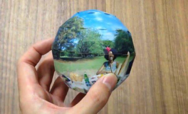 360度パノラマ写真を球体に印刷する驚きの技術! 手のひらに思い出がすっぽりと収まる
