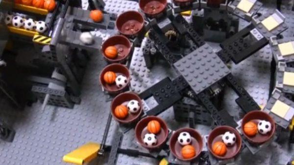 レゴで全自動ミニチュアボール工場を建設してみた。運搬から出荷まで本物のような完成度