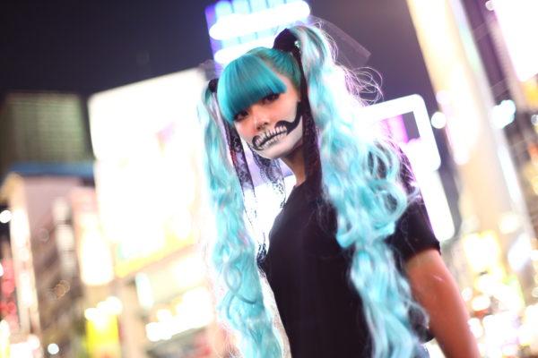 「渋谷ハロウィン」スナップ厳選100枚。スカルメイクの『初音ミク』や、お色気ムンムンのお姉さん達を激写してきたよ!