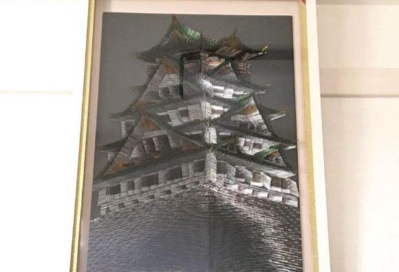 刺し続けること1ヵ月。針金1万本でお城の絵を描いてみた