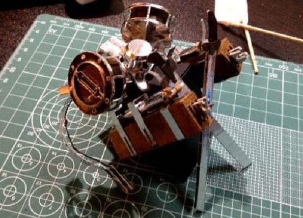 材料費は420円ポッキリ! 『進撃の巨人』立体機動装置を紙で作ってみた