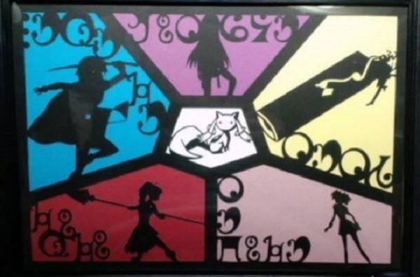 『魔法少女まどか☆マギカ』7話の影絵風の切り絵を作ってみた。色遣いが効果的で魔法少女たちとキュウべえの関係性を感じる作品です