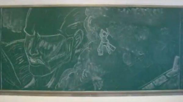 製作期間1ヵ月の超大作。黒板で『進撃の巨人』の手書きアニメOPを作ってみた