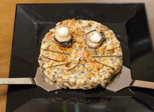 """ポプテピクッキング! マナティ100%ハンバーグを作ってみたら、食欲が一切沸かない""""クソハンバーグ""""が爆誕「見た目がすでに不味そう」"""