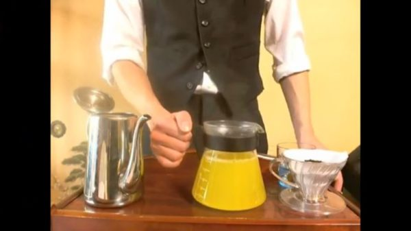 コーヒーを淹れるのはお湯だけって誰が決めた?「コーヒー×ジュース」「コーヒー×ワイン」etc…一番合う組み合わせはこれだ!