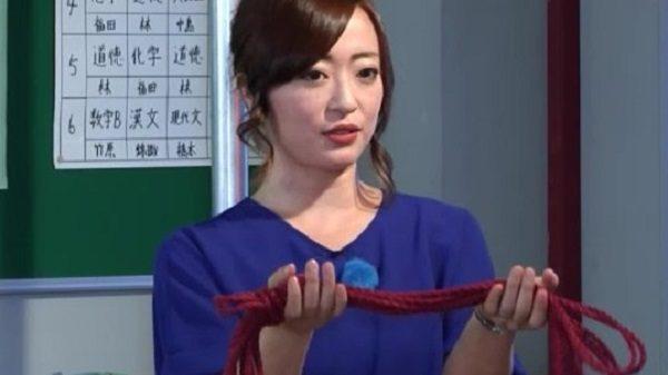 美人緊縛師が緊縛グッズを紹介。麻縄、カラビナ、裁ちばさみetc…緊縛用の縄は「しなやかになるまで30人ぐらい縛らないと」