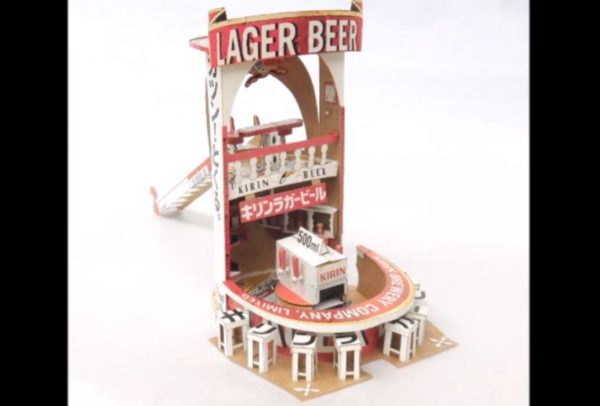 キリンラガービールの空き箱で作ったビールのお店 パッケージの印刷から物語を感じる作品に「この世界に入りたい」の声