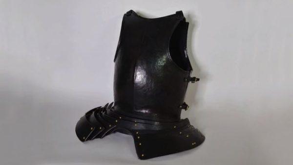 普段使い用に甲冑を作ってみた その使用方法は…戦闘じゃなくステーキ!? 鎧の内側で肉をジュウジュウ焼いちゃえ!