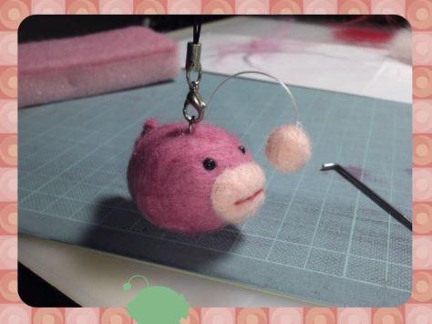 『ガルパン』大洗女子学園あんこうチーム標章を羊毛フェルトで作ってみた ふわふわ可愛い作品に「めちゃくちゃ欲しくなる出来です」