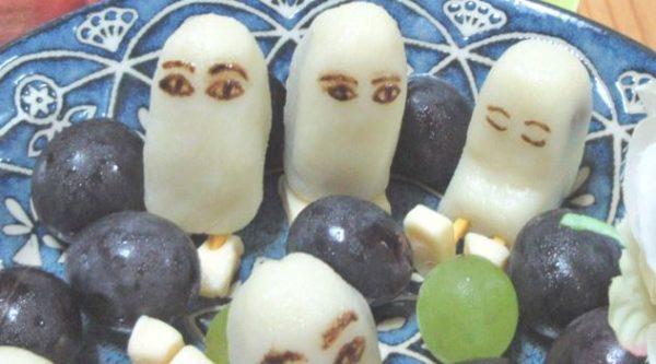 『FGO』メジェド様のチョコバナナ&チョコ白玉がお皿の上に召喚された! こちらを見る可愛い目つきに「表情が最高!」