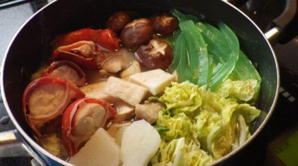 『ダンジョン飯』の「大サソリと歩き茸の水炊き」を作ってみた 謎の食材で完全再現された美味しそうな水炊きに「イメージ通りだw」