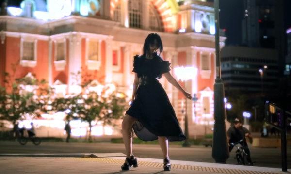 """二十歳になったばかりのお姉さんの""""踊ってみた""""が妖艶すぎ! あふれ出るオトナの表現力に「うつくしい…」とため息続出"""