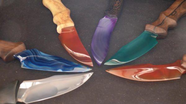 """天然石を使って「鉱石ナイフ」を作ってみた! 素材ごとに異なる""""色鮮やかな刀身""""がファンタジーな仕上がりに"""