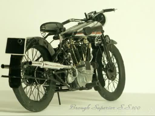 『キノの旅』モトラドのモデルになったバイクを全て紙で作ってみた! スポーク・マフラーまで精巧に作られた紙業に「これでメシ食えるレベル」