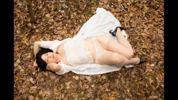 """""""閉経することで開かれた世界""""50代女性カメラマンがセルフヌードを撮る理由"""