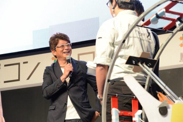 【ニコニコ超会議】哀川翔もメロメロ! 可愛すぎる超ロボコン【ネタりか編集部】
