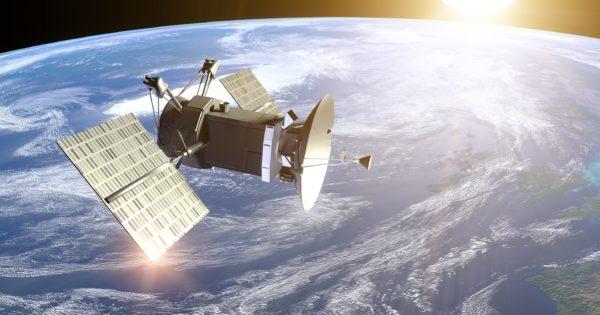 """あなたの知らないディープ同人誌をひたすら取り上げる新連載!——人工衛星に魅せられて""""人工衛星本""""を作ってしまった男。その宇宙への熱い思いを聞いてみた"""