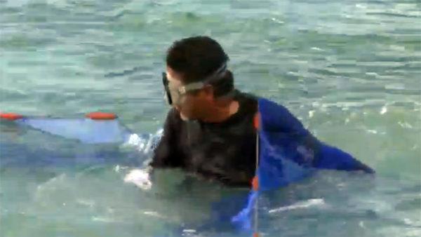 """沖縄の伝統漁""""スク水揚げ""""の様子を画像でお届け。ちっこくて可愛いやつが大漁なるか!?"""