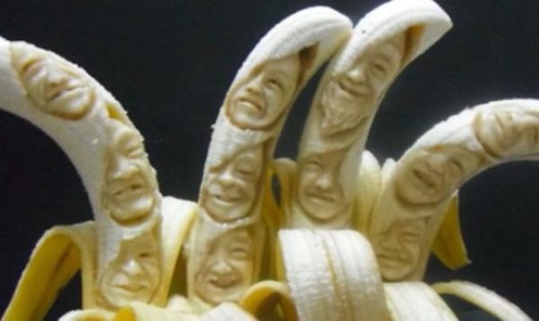 爪楊枝たった1本でバナナを芸術作品に! しかし、おいしく食べ終わるまでが「バナナ彫刻」