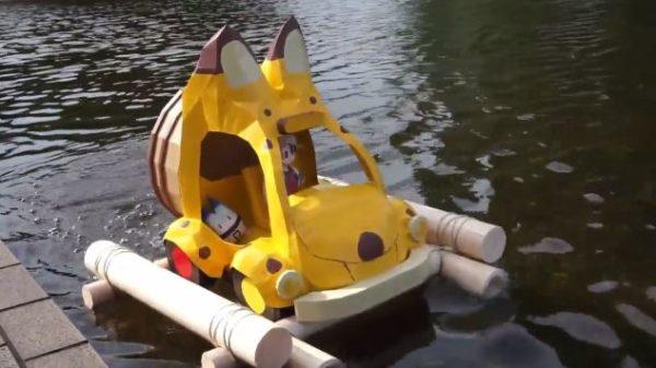 水の上をスイスイ走る! 『けものフレンズ』12話のジャパリバスをラジコンで再現してみた