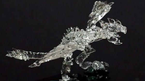 """完成度""""G級""""! 『モンスターハンター』のリオレウスをガラス細工で作ってみた"""