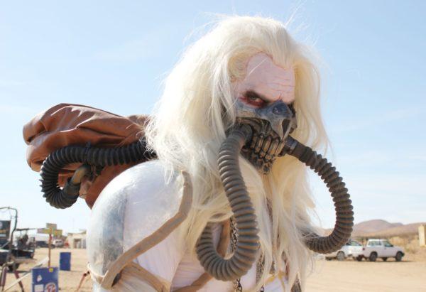 映画『Mad Max』の世界観をそのまま再現したアメリカのイベントの様子を生放送・動画・記事でお届けします