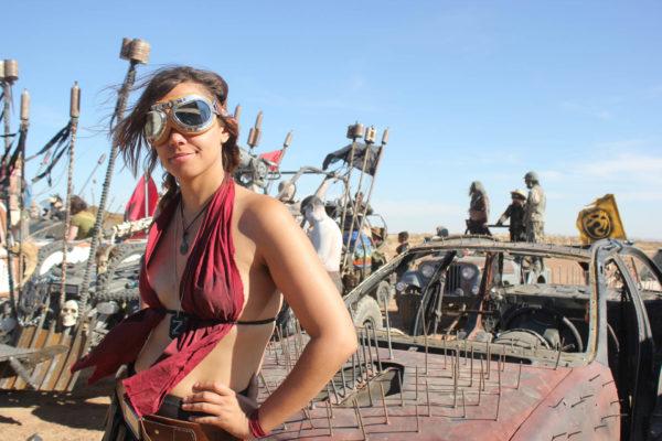 """映画『Mad Max』ファンが創作した""""核戦争後の改造車&美女のコスチューム""""がヒャッハーすぎたので、色々と話を聞いてみた"""