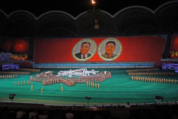 """北朝鮮""""マスゲーム""""の練習時間が明らかに「朝9時から夕方5時までの練習を半年以上」元・朝鮮総連職員が語る"""