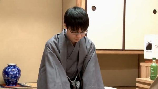 横浜から柏の道場へ…… プロ棋士・高見泰地六段が石田門下へ入門した経緯を語る