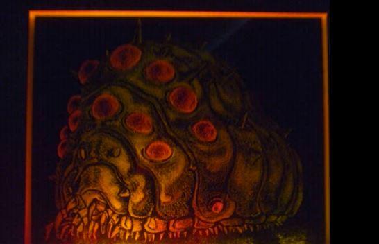『風の谷のナウシカ』王蟲をガラスに彫るアート。神秘的な美しさに思わずため息「これ凄いな…」「もっと評価されるべきだろ」