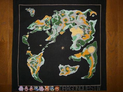 『ドラクエIV 導かれし者たち』ワールドマップをクロスステッチで再現 ドット絵のように仕上げられた勇者たちの刺繍に「額に入れて飾りたい!」