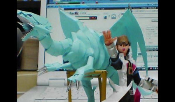『遊戯王』ブルーアイズホワイトドラゴンと海馬瀬人の自作ペーパークラフト「オレのプライド そしてオレの魂!いでよ 青眼の白龍!」