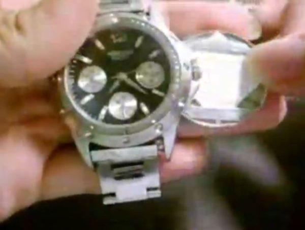 """『DEATH NOTE』夜神月の""""あの腕時計""""を作ってみた 裏蓋に仕込んだノートの切れ端にメモも可能!「これで計画通り…!?」"""
