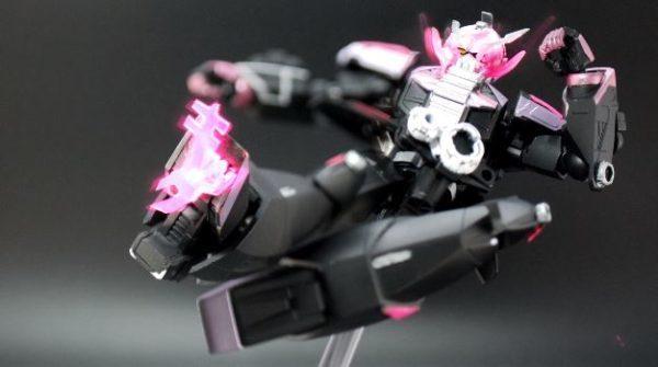 ∀ガンダムのガンプラを『仮面ライダージオウ』仕様に魔改造してみた 足裏の「キック」の文字に感じるライダー愛がすばらしい