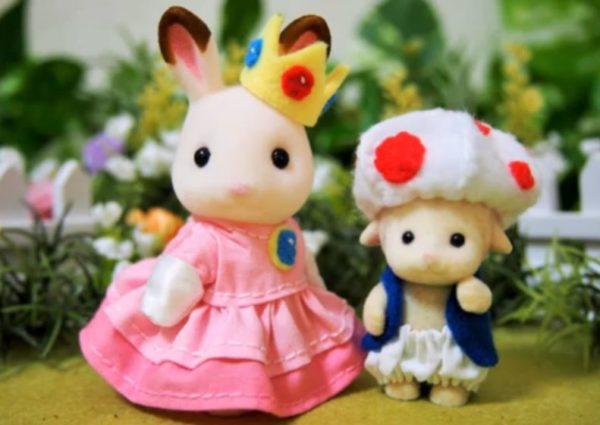 シルバニアサイズでピーチ姫の服を作ってみた! キノピオと並んだショコラウサギちゃんのドレス姿に「マリオもイチコロ」の声