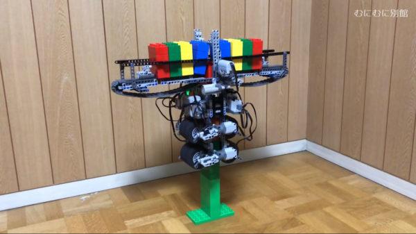 これで宇宙まで行くぞ! レゴブロックを自動で積み上げ続けるマシンの新作が爆誕。「これで軌道エレベーター建てよう」の声