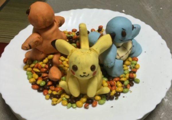 『ポケモンGO』のポケモンたちをスイーツ化! ケーキで作ったピカチュウ、ヒトカゲ、ゼニガメが並ぶ姿にフシギダネ「解せぬ」