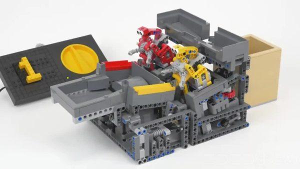 LEGOでボール運搬ロボットを作ってみた! 回転しながら運ぶ動作に「こぼすんじゃねえぞ」「かわいいw」の声