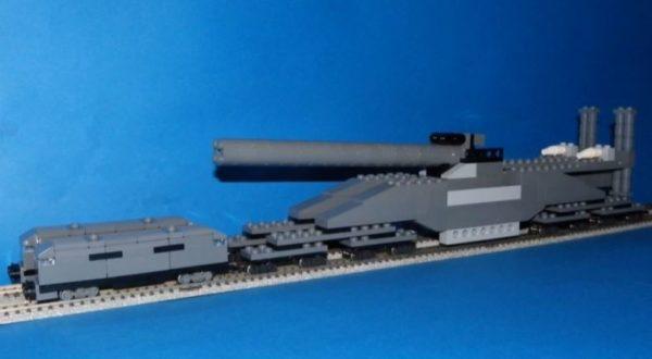 """レゴで史上最大の列車砲「グスタフ/ドーラ」を作ってNゲージ化! 大迫力の""""複線ドリフト""""は一見の価値アリ"""