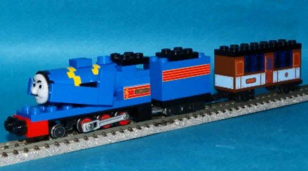 """レゴで『機関車トーマス』ロレンツォとぺぺを作って""""Nゲージ化""""してみた。様々なレイアウトで走る姿に「すごい。レゴもトーマスも大好き」の声"""