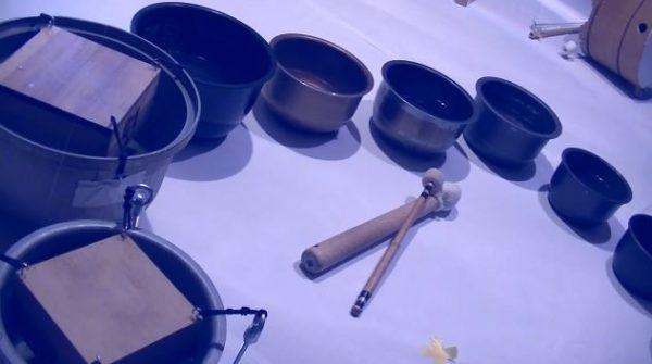 """炊飯器の内釜、マス、木桶で奏でる童謡『海』。美しく響く""""幻想的な音色""""に「なんか別の曲のようだ」「めっちゃ癒された…」の声"""