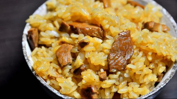 高知のカツオ、うまそうすぎ…土鍋で炊いたご飯で作る「かつおめし」がレトルトのクオリティを超越しててビビる件