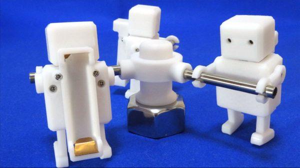 """""""奴隷がぐるぐる回すヤツ""""を3Dプリンターで作ってみた。努力が全く報われない赤ロボットに「これが社会の縮図」と同情の声集まる"""